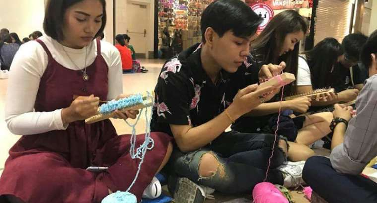 Knitting with the Happyseedsgroup