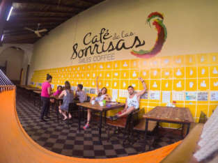 Café de las Sonrisas – Smiles Coffee